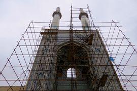2012秋、イラン旅行記(30):11月20日(4):ヤズド(4):金曜日のモスク、修復中のイーワーン、ミナレット、商店街