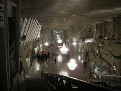 2013秋、ポーランド旅行記(5):10月21日(3):クラクフ、ヴィエリチカ岩塩坑、採掘作業のジオラマ展示、地底の聖堂