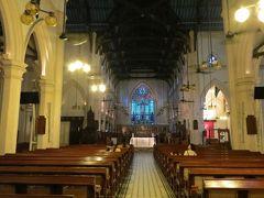 2013夏、中国旅行記23(4):7月20日(3):香港、天后宮、セント・ジョンズ教会、祭壇、ステンドグラス