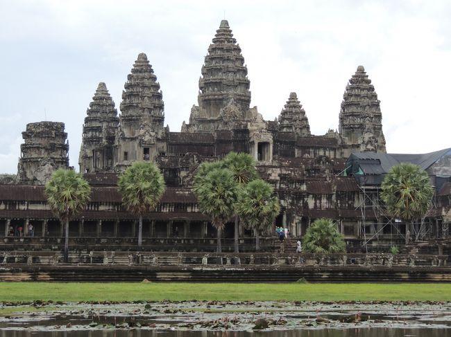 ずっと行きたかったカンボジア。想像以上に素晴らしかったアンコール遺跡に感動!人も優しく、食べ物も美味しかった。最初の観光はアンコールトム、タプローム、アンコールワット。