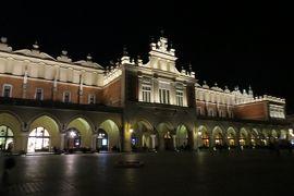 2013秋、ポーランド旅行記(11):10月21日(9):クラクフ、夕食後、夜の旧市街散策