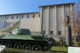 2013秋、ポーランド旅行記(20):10月23日(2):ワルシャワ、ワルシャワ軍事博物館