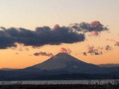 江ノ島の夕焼け富士山とイルミネーション