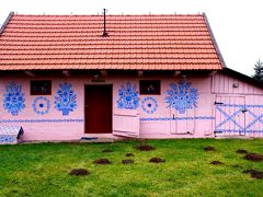 「可愛い!」が見つかる国ポーランドVol.2 ポーランドの手仕事を訪ねて...フラワーペイントに彩られたザリピエ村へ