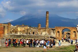 2013秋、イタリア旅行記2(8)ポンペイ、ポンペイ遺跡、フレスコ壁画、居酒屋跡