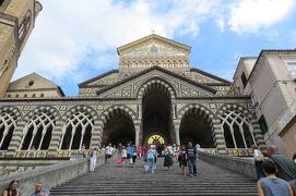 2013秋、イタリア旅行記2(13)アマルフィ、アマルフィ海岸、峠の茶屋、アマルフィ大聖堂