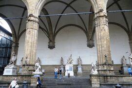 2013秋、イタリア旅行記2(29)フィレンチェ、シニョーリア広場、ヴェッキオ宮殿、ヴェッキオ橋