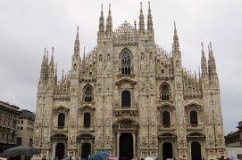2013秋、イタリア旅行記2(36)ミラノ、ドゥオモ広場、ドゥオモ、ステンドグラス