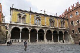 2013秋、イタリア旅行記2(38)ヴェローナ、ヴェローナ旧市街、スカラ家の廟、古代ローマ遺跡