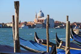 2013秋、イタリア旅行記2(41) ヴェネチア、海上タクシーでヴェネチア本島へ、波止場光景