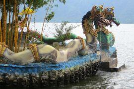 2013春、インドネシア旅行記2(16)バリ島、バリ島の世界遺産見学へ、湖畔のウルン・ダヌ・ブラタン寺院