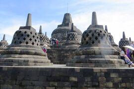 2013春、インドネシア旅行記2(23)ジャワ島、ボロブドール遺跡、遺跡の頂上
