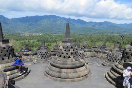 2013春、インドネシア旅行記2(24)ジャワ島、ボロブドール遺跡、頂上からの眺望