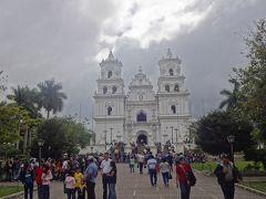 2013年末は中米5ヶ国&コロンビア11日間の旅(3)予定変更!サンサルバドルから国境を2回越えてグアテマラのエスキプーラスへ