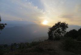 2014新春、ネパール旅行記(23)1月24日(3):ポカラ、ラムコットの丘の上から眺めたヒマラヤ連峰