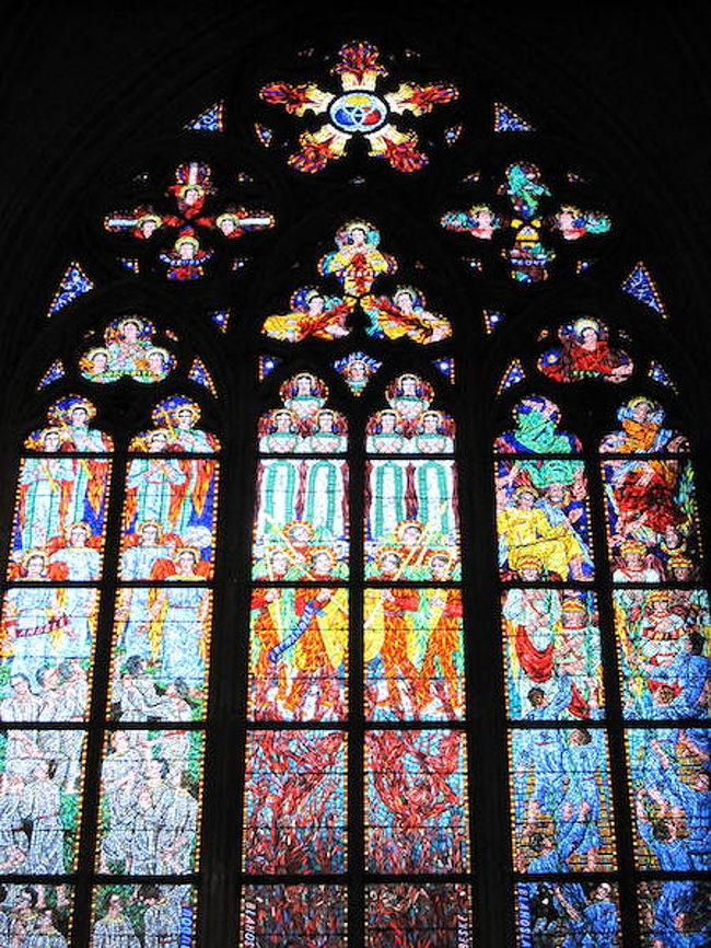【4日目】チェコ<br />・プラハ城(聖ヴィート大聖堂)<br />・カレル橋<br />・旧市庁舎の時計台<br /><br />