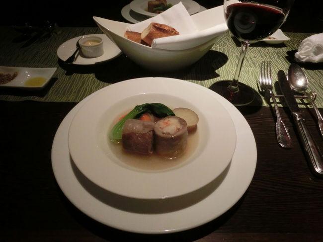 うちわのイベントで2か月連続で、<br />シェラトン都ホテル東京で宿泊することになりました。<br />今回は食事がメインなので、<br />カフェカリフォルニアでディナーコースをいただきました。<br />後から見たら、夕食以外も食事の写真ばかりとなってしまいました…