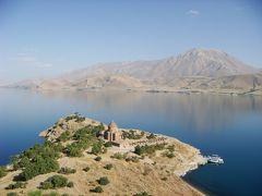トルコブルーのワン湖と、トルコのひょっこりひょうたん島=アクダマル島(東トルコその7)