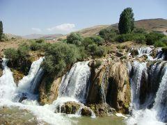 ワンからトルコ版ナイヤガラの滝と鬼押し出しを通ってアララット山麓へ(東トルコその8)
