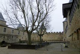 2014早春、南フランス等・4ヵ国巡り(17):2月28日(3):フランス:カルカソンヌの城塞、聖ナザール聖堂、ステンドグラス、バラ窓、コンタル城