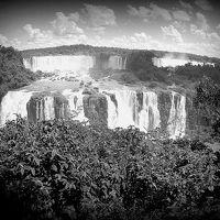 イグアスの瀧、ブラジルサイド....イグアスは、アルゼンチン側とブラジル側、両サイドから異なった顔が見えるのよ(イグアス/パラナ州/ブラジル)1