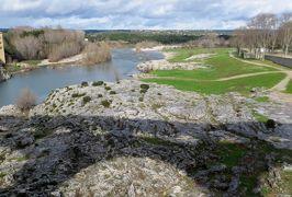 2014早春、南フランス等・4ヵ国巡り(21):2月28日(6):フランス:ポン・デュ・ガール、橋の上からの眺め、アルルへ、ゴッホの跳橋
