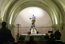 2014早春、南フランス等・4ヵ国巡り(27):3月1日(2):フランス:マルセイユ、ノートルダム寺院、聖母子像、ステンドグラス、室内装飾