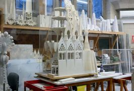 2014早春、南フランス等・4ヵ国巡り(47:補遺1):サグラダファミリア展示室1:建築工房、縮小モデル、説明パネル