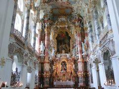 のんびり行こう♪ドイツ・オーストリア12日間親子旅。vol.6 緑の丘の上に自然の光溢れる美しいヴィース教会がありました(^_^)/