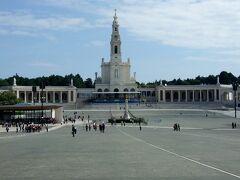 ファティマの予言で有名な巡礼地ファティマと猟師町ナザレ ポルトガル