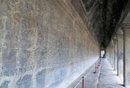 2014春、カンボジア旅行記2(26):3月21日(9):シェムリアップ、アンコール・ワット、首のない仏像、デヴァター像、第一回廊のレリーフ群