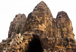 2014春、カンボジア旅行記2(30):3月22日(1):シェムリアップ、泊まったホテル、アンコール・トムへ、ナーガ、乳海攪拌、南大門、四面観音像
