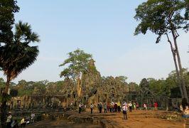 2014春、カンボジア旅行記2(31):3月22日(2):シェムリアップ、アンコール・トム、バイヨン寺院、涅槃像、レリーフ、四面観音像、デヴァター像
