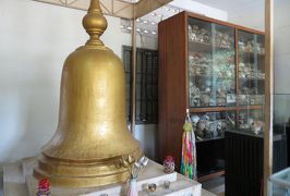 2014春、カンボジア旅行記2(45:補遺1):トゥールスレン博物館2:水責め拷問の壺、過酷な独房、強制収容所の証言絵画