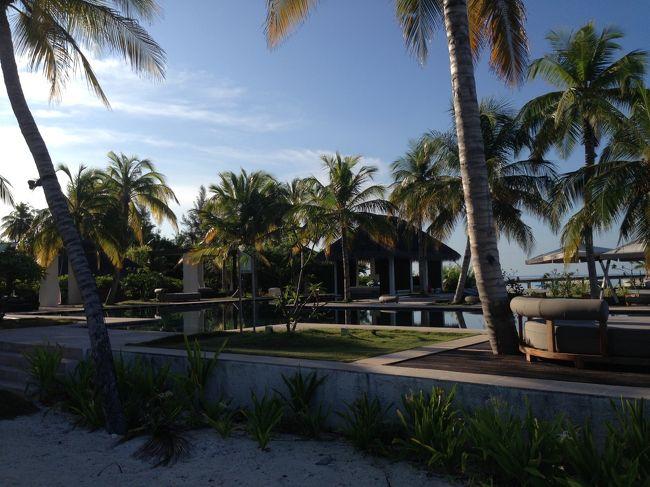 南マーレ環礁のジュメイラヴィッタベリを視察しました。<br /><br />島の周り全体にハウスリーフが広がり、シュノーケルに適しています。<br />キッズクラブも充実し、お食事もおいしい ドバイのブランド ジュメイラ<br />グループのリゾートです。