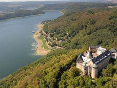 ≪山上に勇壮な姿を見せるヴァルデック城の築城伝説 Die Sage von der Gruendung der Burg Waldeck≫