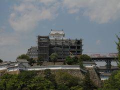 姫路城 改修工事を終えようやく顔を出した天守閣