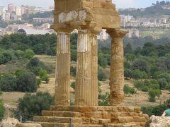 アマルフィ海岸、シチリア島、イスキア島、アッシジの春をめぐる旅 【36】 アグリジェントの神殿の谷 西側へ