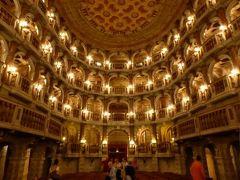 初夏の優雅な北イタリア旅行♪ Vol15(第2日目午後) ☆マントヴァ(Mantova):素晴らしい劇場「Teatro Accademico Bibiena」を見学♪