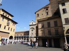 初夏の優雅な北イタリア旅行♪ Vol16(第2日目午後) ☆マントヴァ(Mantova):優雅な散策♪ソルデッロ広場(Piazza Sordello)・エルベ広場(Piazza Erbe)・サンアンドレア教会(Sant' Andrea)♪