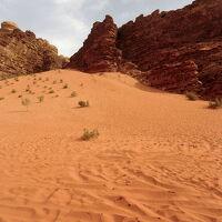 遺跡、砂漠、死海、魅惑のヨルダン&エキゾチックなイスタンブールの旅♪ vol. 2 アラビアのロレンスを想い、赤い砂漠・ワディ・ラムを疾走!