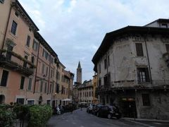 初夏の優雅な北イタリア旅行♪ Vol41(第3日目午後) ☆ベローナ(Verona):観光後のショッピング♪ホテルからレストランへピエトラ橋(Ponte d'Pietra)を散策♪