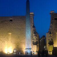 ルクソール・東岸: カルナック神殿とルクソール神殿