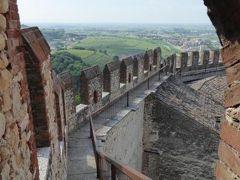 初夏の優雅な北イタリア旅行♪ Vol48(第4日目午前) ☆ソアーヴェ(Soave):憧れのスカラ城(Castello Scaligero)の主塔を見学♪城から旧市街へ下りる♪