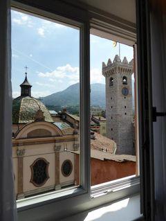 初夏の優雅な北イタリア旅行♪ Vol67(第5日目昼) ☆トレント(Trento):ホテル「Aquila D'Oro」の素晴らしい眺望のスイートルーム!