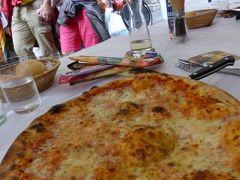 初夏の優雅な北イタリア旅行♪ Vol102(第7日目昼) ☆リーバ・デル・ガルダ(Riva del Garda):美しい旧市街のリストランテ「Leon d'Oro」で美味しいピザを頂く♪