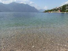 初夏の優雅な北イタリア旅行♪ Vol109(第7日目午後) ☆マルチェジーネ(Malcesine):リゾートホテル「Castello Lake Front」のガルダ湖ビーチで優雅に過ごす♪