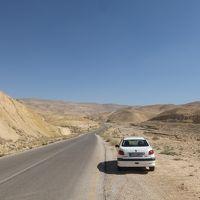 ヨルダン レンタカーの旅(1)空港~キングス・ハイウェイ~ペトラ~ワディ・ラム
