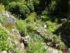 初夏の優雅な北イタリア旅行♪ Vol125(第8日目午後) ☆ガルドーネ・リビエラ(Gardone Riviera):憧れの庭園「Andre Heller」♪岩山の上から庭園を一望して♪