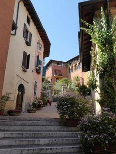 初夏の優雅な北イタリア旅行♪ Vol127(第8日目午後) ☆ガルドーネ・リビエラ(Gardone Riviera):可愛い小さな町「Gardone Sopra」(ガルドーネ・ソプラ)♪